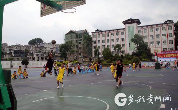 小篮球合朋赛点开赛快攻上篮